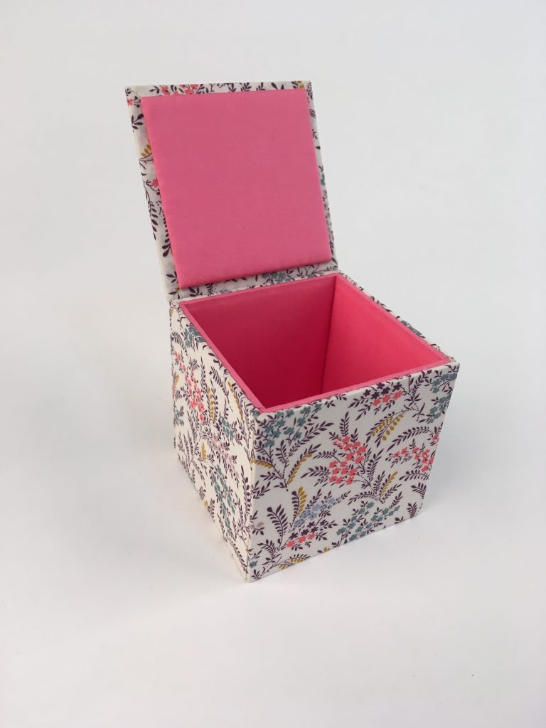 Small square box - basic box construction.